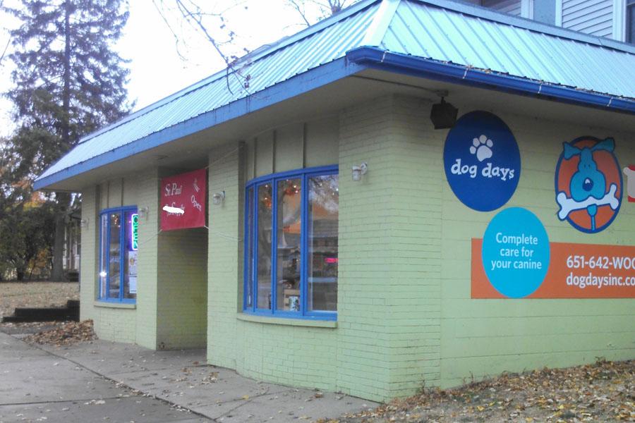 St. Paul dog daycare & boarding Dog Days Grand Ave 55114 (651) 642-9663